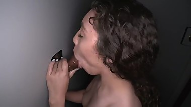 GLORYHOLE TEEN LATINA 1ST TIME