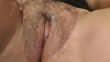 Amateur Soaking Wet Teen Squirts for the First Time !