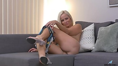 Dani Dare Seduces Sweet Young Son's Friend