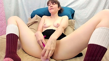 Pretty innocent girl masturbates and cums. Visible contractions & cream
