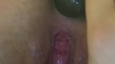 Teen babe using anal plug for first time
