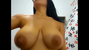 indian girl play with boobs