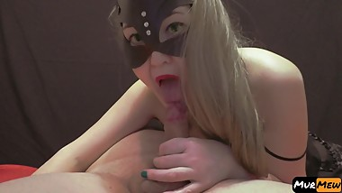 Masked blonde made a cool blowjob