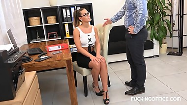 Sexy naomi nailed by co-worker