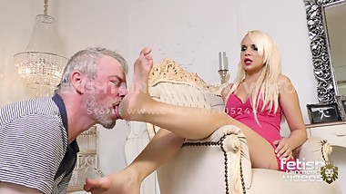 Fetishtainment.com Trailer // Lick Serena dirty feet