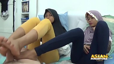 asian hijab girls footjob