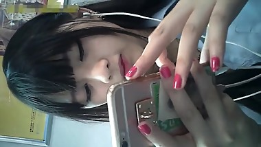 Cute and beautiful japanese teen candid shot