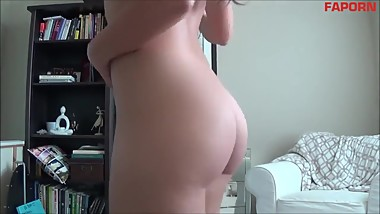 Naughty girl naughty in front of webcam, sexy ass sticks out and slaps on t