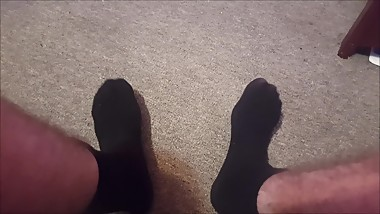 FEET ASMR WITH WHOLESOME ENDING (BLACK SOCKS).