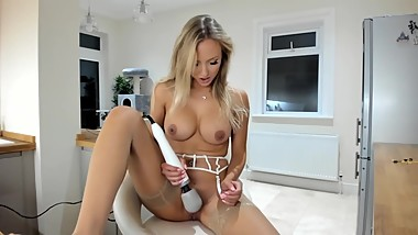 Blonde Cam Whore Dildo & Squirt