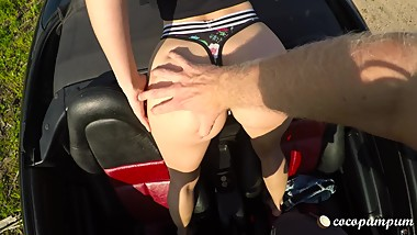 My cabrio is sexier than your tesla: Tinder date fucked outdoors-Cocopumpum